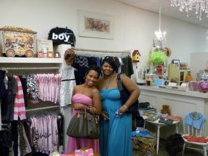Jalonda and Mashonda inside of SMOOCH boutique