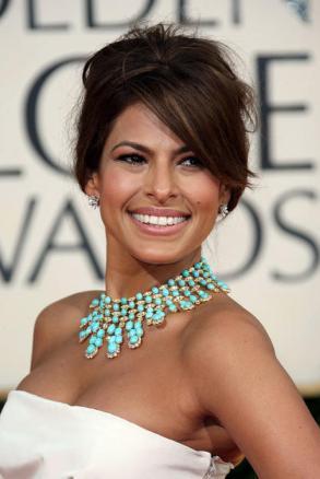 Eva Mendez, turquoise necklace